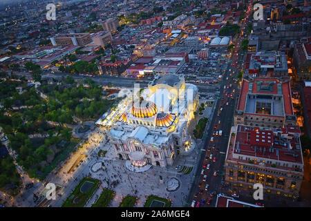 Vista panoramica della Città del Messico dal ponte di osservazione in cima latino-americano di Tower (Torre Latinoamericana) Foto Stock