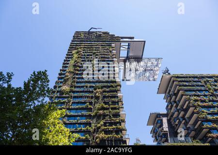 Viste generali che mostra un Central Park che è costruito intorno a Chippendale verde, Sydney. Lo stesso edificio è stato progettato dal premiato arco parigino Foto Stock