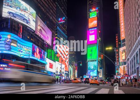 Time Square di notte, Manhattan, New York Foto Stock