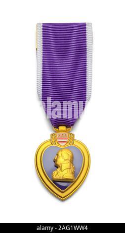 Cuore viola medaglia militare isolato su sfondo bianco. Foto Stock