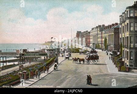 EASTBOURNE, East Sussex, Inghilterra. Il lungomare su una cartolina 1907 Foto Stock