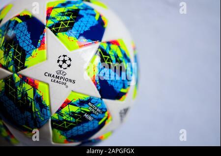 MADRID, Spagna, gennaio. 20. 2020: Champions League modello, Palla ufficiale, sfondo bianco Foto Stock