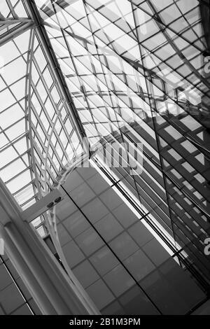 Vista sul soffitto in vetro della cattedrale Foto Stock