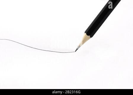 Matita che disegna una linea, concetto per fine linea, spazio per il testo Foto Stock