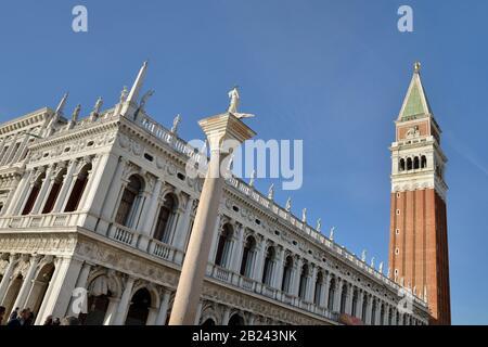 Venezia, Piazza San Marco - Piazza San Marco (Biblioteca Nazionale Marciana - Biblioteca Sansovino), Patrimonio Dell'Umanità Dell'Unesco - Veneto, Italia, Europa Foto Stock