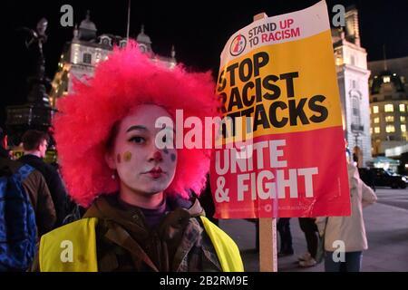 Londra, Regno Unito. 3rd Mar 2020. Il 3 marzo 2020, Regno Unito, il gruppo antifascista si unisce al fascismo con il gruppo antifascista anche italiano per fermare il fascista Salvini porta a Londra il coronavirus. Credito: Immagine Capital/Alamy Live News Foto Stock