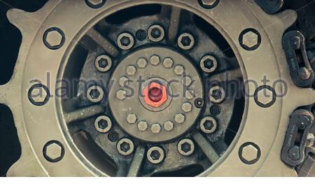 astratto, circolare, ruota, serbatoio, cingolato, pista, primo piano, colori camouflage Foto Stock