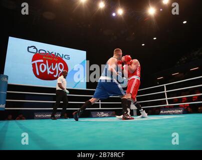 Azione generale dal Super Heavy Weight Men durante il primo giorno della Boxing Road fino all'evento olimpico di qualificazione Tokyo 2020 presso la Copper Box Arena di Londra.