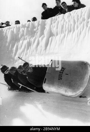 'Italiano: FOTOGRAFIA D'EPOCA: BOB A 4 - CAMPIONATI IN EUROVISIONE - CORTINA D'AMPEZZO; 1960; Ebay.com; sconosciuto; '