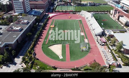 Los Angeles, Stati Uniti. 21 Mar 2020. Vista aerea generale del Cromwell Field e del Loker Stadium nel campus dell'Università della California del Sud. Foto via Credit: Newscom/Alamy Live News