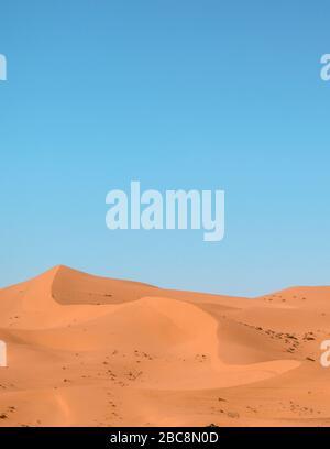 Dune di sabbia nel deserto del Sahara (Marocco) Foto Stock