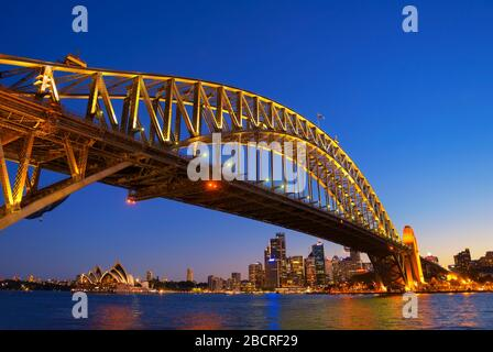 Ponte del porto e dello skyline di Sydney, Sydney, Nuovo Galles del Sud, Australia