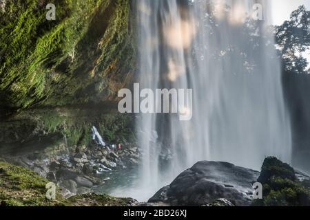 Cascate di Agua Azul, vista dal sentiero dietro la cascata, Chiapas, Messico