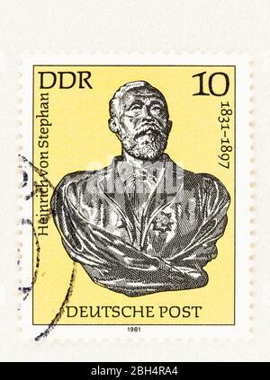 SEATTLE WASHINGTON - 21 aprile 2020: Francobollo 1920 della Germania orientale con il busto di Heinrich von Stephan e il 150° anniversario di nascita. Scott 2157
