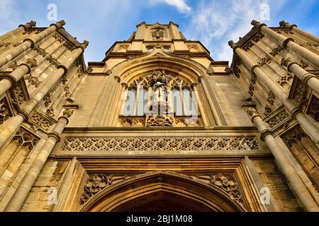 Tom Tower, Low Angle, Christ Church College, Oxford, Inghilterra, Regno Unito Foto Stock