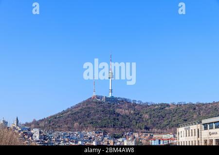 Seoul, Corea del Sud - 22 marzo 2020. Torre Namsan di Seoul. Torre Namsan di Seul da Itaewon.