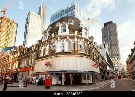 La stazione di Liverpool Street di Londra (la terza stazione più trafficata nel Regno Unito) è chiusa e deserta durante la pandemia; giorno 7 del blocco. London, Mar 2020 Foto Stock