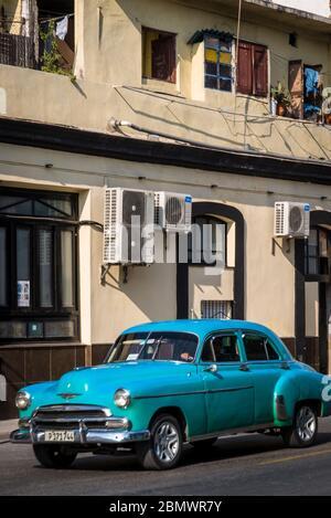 Auto d'epoca nel quartiere Havana Centro, Havana, Cuba