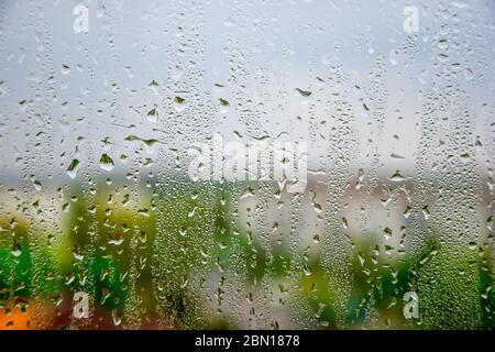 sfondo di gocce d'acqua sulla finestra