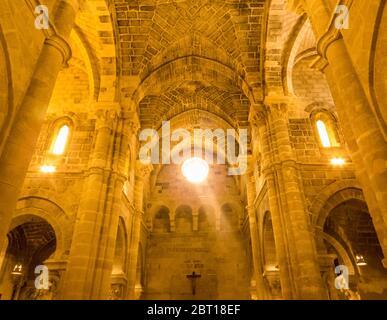 Veduta interna della Chiesa di San Giovanni Battista (in italiano: Chiesa di San Giovanni Battista) a Matera Foto Stock