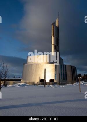 Die Nordlichtkaphathedrale, oder auch alta-Kirche, ist die größte Kirche der Nordnorgischen Stadt alta und wurde von2011 bis 2013 erbaut. Foto Stock