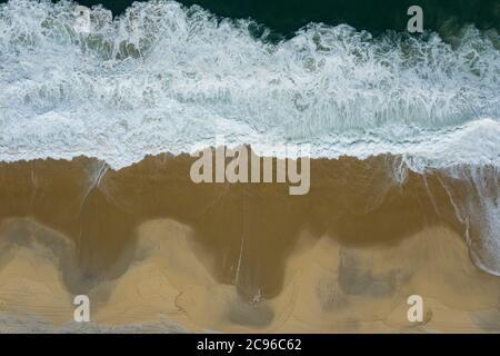 Onde e sabbia.