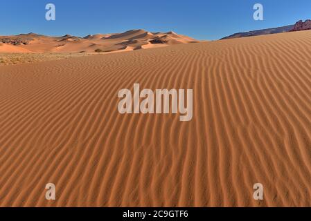 TADRART ROUGE , ALGERIA. DESERTO DEL SAHARA. TIN MERZOUGA E MOUL N AGA DUNE DESERTICHE E MODELLI DI SABBIA.