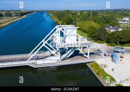 Vista aerea del ponte di Pegasus, Normandia, Francia, uno degli obiettivi per gli sbarchi del D-Day Foto Stock