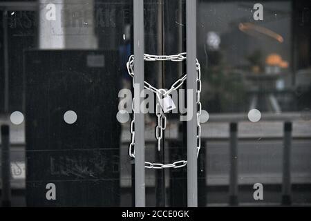 Londra, Regno Unito - 21 agosto 2020, nel West End di Londra, su Tottenham Court Road, durante la crisi pandemica del coronavirus in corso. Credit: Nils Jorgensen/Alamy Live News Foto Stock