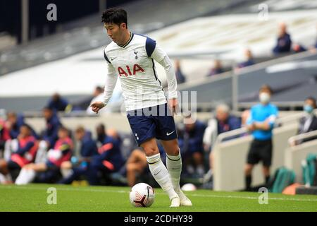 Londra, Regno Unito. 28 Agosto 2020. Son Heung-min di Tottenham Hotspur in azione durante il gioco. Pre-season friendly match, Tottenham Hotspur v Reading al Tottenham Hotspur Stadium di Londra venerdì 28 agosto 2020. Questa immagine può essere utilizzata solo per scopi editoriali. Solo per uso editoriale, è richiesta una licenza per uso commerciale. Nessun utilizzo nelle scommesse, nei giochi o nelle pubblicazioni di un singolo club/campionato/giocatore. pic by Steffan Bowen/Andrew Orchard sports photography/Alamy Live news Credit: Andrew Orchard sports photography/Alamy Live News Foto Stock