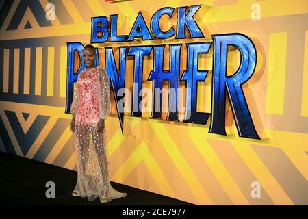 Florence Kasumba partecipa alla prima europea di 'Black Panther' all'Eventim Apollo l'8 febbraio 2018 a Londra, Inghilterra Foto Stock