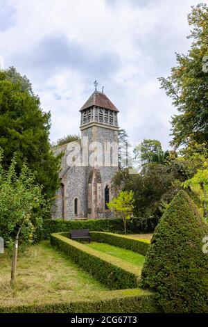 Chiesa parrocchiale cinta di tutti i Santi e camera a campana in legno, Hinton Ampner, Upper Itchen benefice, Bramdean, Alresford, Hants, Inghilterra meridionale