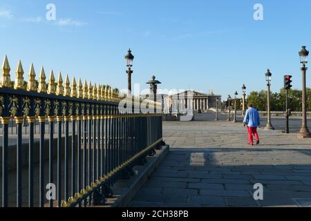Parigi, Francia. Settembre 13 2020. Monumento storico. Famoso luogo della Concorde nel centro della città. Edificio politico dell'Assemblea Nazionale Foto Stock