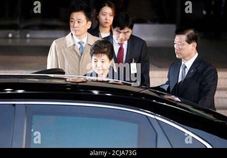 South Korea's ousted leader Park Geun-hye leaves a prosecutor's office in Seoul, South Korea, March 22, 2017.  REUTERS/Kim Hong-Ji