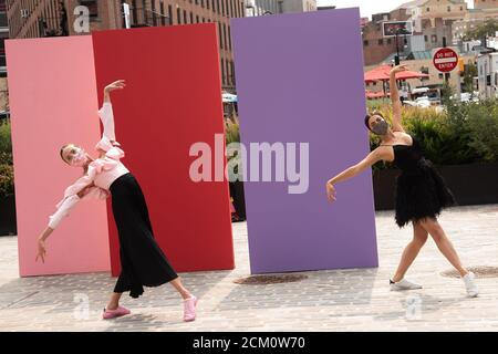 New York, NY, Stati Uniti. 16 Set 2020. Atmosfera e dintorni per ALICE OLIVIA by Stacey Bendet Spring 2021 Collection, Chelsea Neighborhood, New York, NY 16 settembre 2020. Credit: RCF/Everett Collection/Alamy Live News