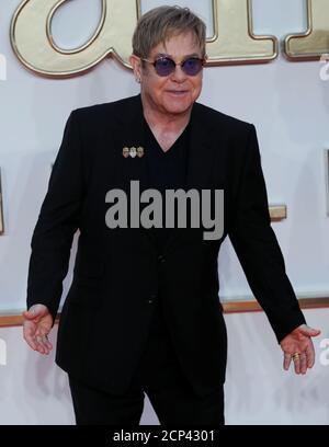 """Il cantante Elton John arriva per la prima mondiale di """"Kingsman: The Golden Circle"""" a Londra, Gran Bretagna, il 18 settembre 2017. REUTERS/Eddie Keogh Foto Stock"""