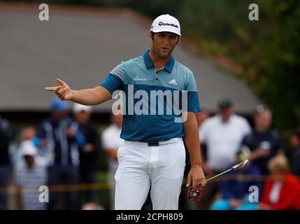 Golf - il 146th Open Championship - Royal Birkdale - Southport, Gran Bretagna - 22 luglio 2017 il spagnolo Jon Rahm reagisce dopo un putt mancato sul quarto verde durante il terzo round REUTERS/Phil Noble