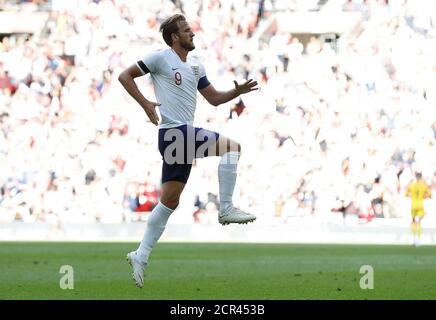 Calcio Calcio - International friendly - Inghilterra vs Nigeria - Wembley Stadium, Londra, Gran Bretagna - 2 giugno 2018 Harry Kane dell'Inghilterra celebra il loro secondo goal REUTERS/Darren Staples