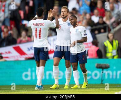 Il raheem Sterling dell'Inghilterra festeggia il terzo gol con Harry Kane e Marcus Rashford PHOTO CREDIT : © MARK PAIN / ALAMY STOCK PHOTO
