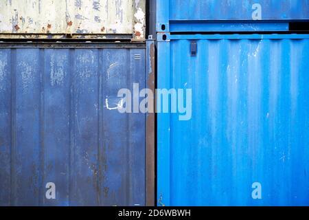 Riassunto dei contenitori di stoccaggio in metallo Foto Stock
