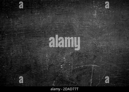 Fronte vuoto sfondo nero reale lavagna texture in concetto college per sfondo bambino torna a scuola per creare bianco gesso testo disegnare grafica.