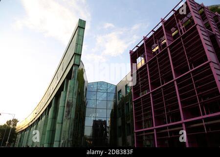 Vista sull'edificio della biblioteca dell'Università di Varsavia
