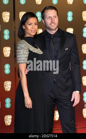 Gugu Matha-Raw (L) e Matthew Heineman partecipano all'EE British Academy of Film Awards (BAFTA) alla Royal Albert Hall di Londra. Il credito fotografico dovrebbe essere: Doug Peters/EMPICS Entertainment Foto Stock