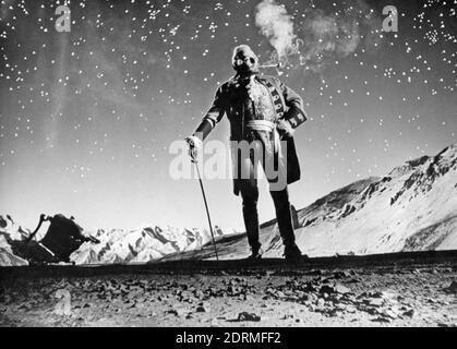 Münchhausen 1943 produzione cinematografica di Universum con Hans Albert come Barone, qui in piedi sulla luna.