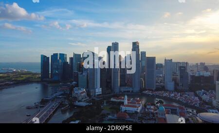 SINGAPORE - 12 GENNAIO 2019: Paesaggio di Singapore business building intorno Marina Bay. Foto Stock