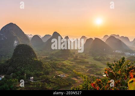 Montagne carsiche in Guilin Cina