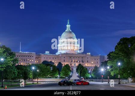 La United States Capitol Building di notte, Washington DC, Stati Uniti d'America.