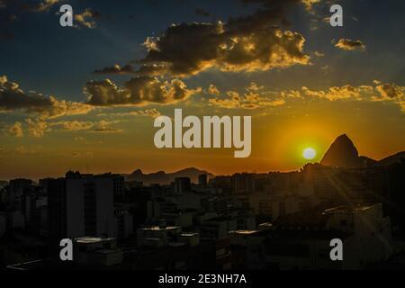 20 gennaio 2021: BRASILE. RIO DE JANEIRO. 20 gennaio 2021. ESTATE. Alba al Pan di zucchero, nel quartiere Urca, sul lato sud. (Immagine di credito: © Ellan Lustosa/ZUMA Wire)