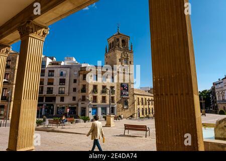Torre dell'orologio in Piazza Andalusia, Ubeda, patrimonio dell'umanità dell'UNESCO. Provincia di Jaen, Andalusia, Spagna meridionale Europa
