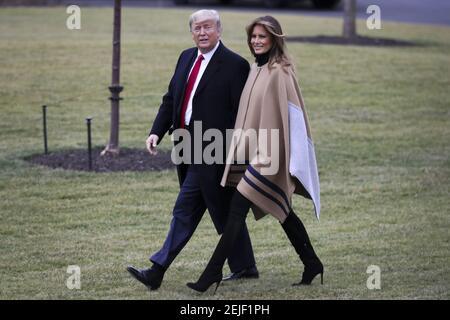 Il presidente Donald Trump e La First Lady Melania Trump si trovano a Marine One prima di partire dal South Lawn of the White House il 31 gennaio 2020 a Washington, DC. Trump trascorrerà il fine settimana a Mar-a-Lago. (Foto di Oliver Contreras/SIPA USA) Foto Stock